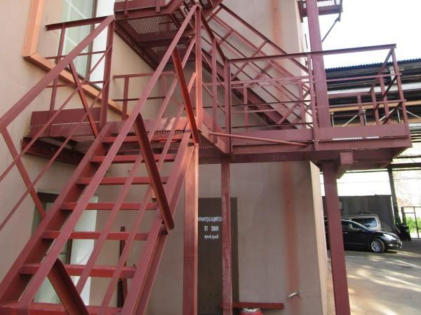Фото Лестницы с переходными площадками